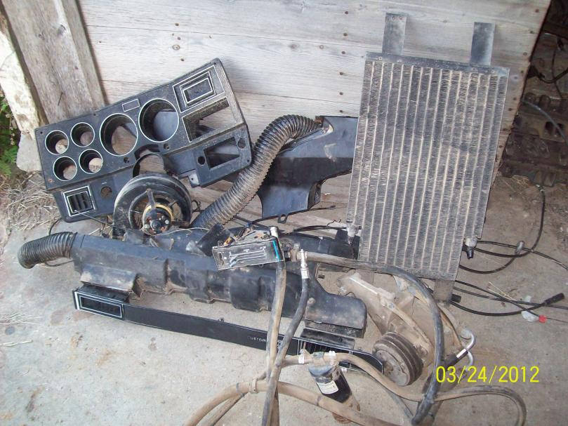 Watch additionally DZMNTUQDbb4 besides 99 Chevy Suburban Heater Core Bypass Valve Diagram further 1998 Chevy Blazer Heater Problems further Heater Core Location Related Keywords Suggestions. on 96 tahoe heater core